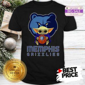 Baby Yoda Hug Memphis Grizzlies Star Wars Mandalorian Shirt