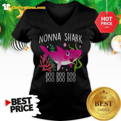 Nonna Shark Doo Doo Doo Christmas Lovely V-neck - Design by Thefristtees.com