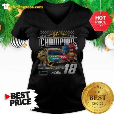 Official M&M's Kyle Busch Joe Gibbs One Sweet Team Signatures V-neck - Design by Thefristtees.com