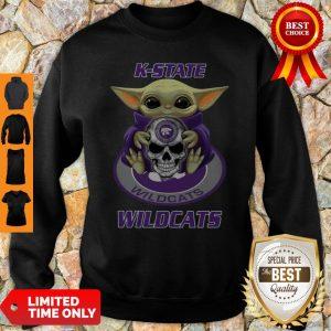 Pretty Baby Yoda Hug Skull K-State Wildcats Sweatshirt