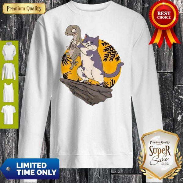 Awesome Smiletees Pets Lizard Vs Cat Sweatshirt