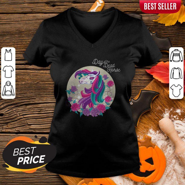 Hot Day Of Dead Horse Sugar Color V-neck