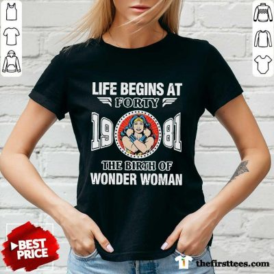 Life Begins At Forty 1981 The Birth Of Wonder Woman V-neck- Design By Thefirsttees.com