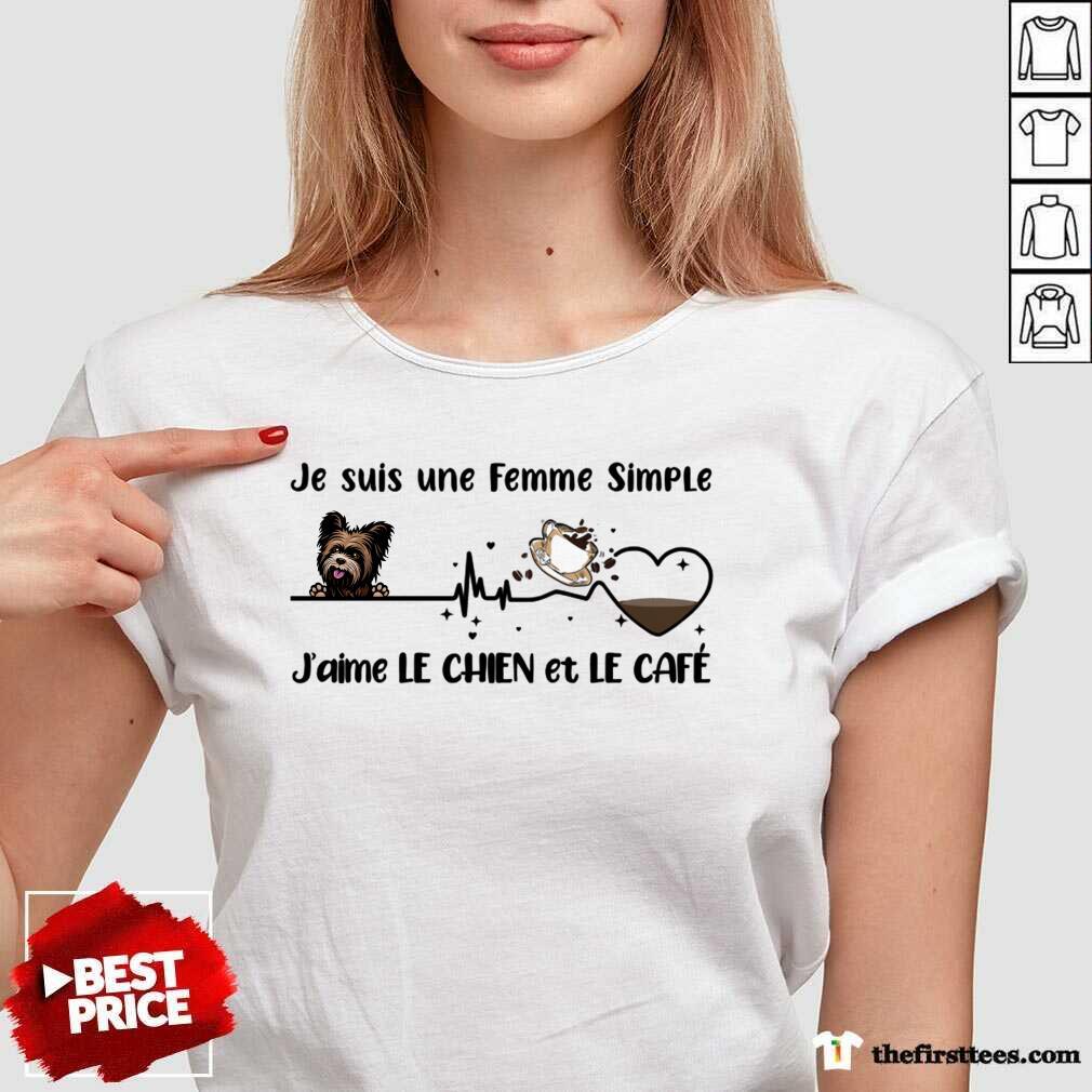 Je Suis Une Femme Simple J'aimé Le Chien Et Le Café V-neck